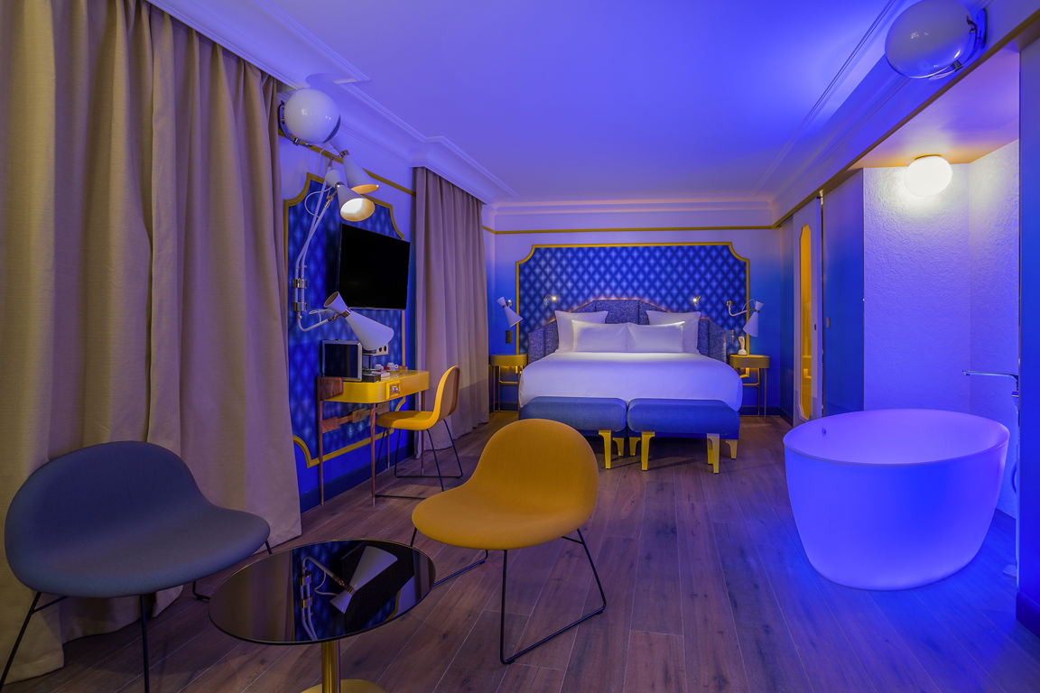 IDOL-HOTEL-SUITE-BLUE-SUNSHINE-3-PARIS-8
