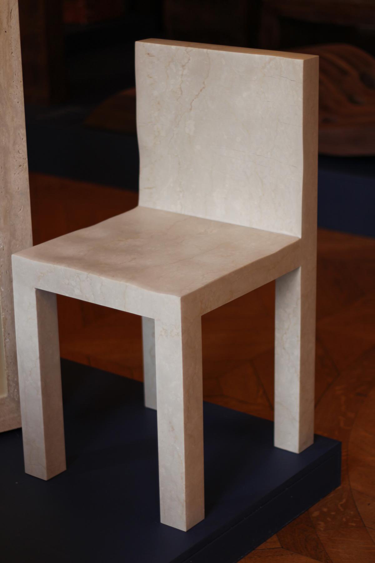 chaise en marbre botticiono de Jean de Pièpape