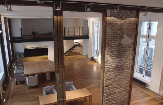 flash design store une expo design dans un appartement dkomag. Black Bedroom Furniture Sets. Home Design Ideas
